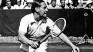 Gottfried Freiherr von Cramm in Wimbledon 1951 © picture-alliance / akg-images