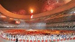 Das olympische Feuer ist entzündet, die Olympischen Spiele von Peking sind eröffnet. © AP Foto: Ricardo Mazalan