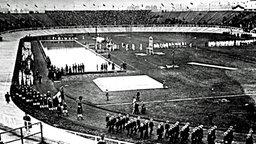 Einzug der Nationen zur Eröffnung der IV. Olympischen Spiele in London am 13. Juli 1908 © picture-alliance / akg-images