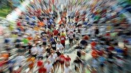 Läuferfeld beim Marathon © picture alliance Fotograf: Malte Christians