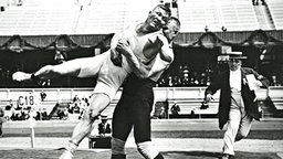 Oympischer Ring-Kampf 1912 zwischen Asikainen und Klein © Getty Images