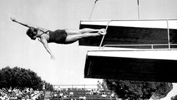 Ingrid Krämer im Stadio del Nuoto in Rom beim Sprung vom Dreimeterbrett © picture-alliance / dpa