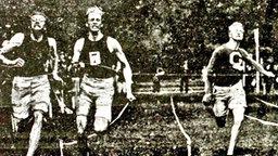 Vier Goldmedaillen in den olympischen Einzeldisziplinen 1900: Alvin Kraenzlein (USA/l.) © Popperfoto/Getty Images