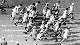Start zum olympischen Marathonlauf in Los Angeles am 07.08.1932 © picture-alliance / dpa