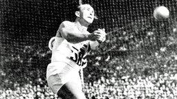 Der ungarische Hammerwerfer Imre Nemeth: Goldmedaillengewinner von London 1948. © picture-alliance / dpa