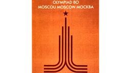 Auf diesem Plakat für die XXII. Olympischen Spiele, die vom 19. Juli bis zum 03. August 1980 in Moskau ausgetragen werden, hat man sich im Wesentlichen des Logos der Spiele bedient, für das wiederum der Turm der Lomonossow-Universität als Vorbild diente. © picture-alliance / dpa