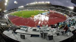 Blick ins verregnete Olympiastadion von Helsinki © Picture-Alliance / ASA Foto: DPPI Franck Faugere