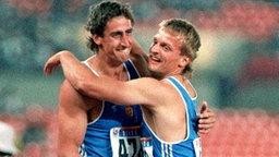 Zehnkampf: Gold-Gewinner Christian Schenk (Rostock/i.) und Torsten Voss (Schwerin/Silber) © picture-alliance / dpa