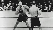 Max Schmeling am 12. Juni 1930 im Duell mit Jack Sharkey © picture-alliance / dpa