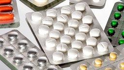 Eine Auswahl an Tabletten. © picture-alliance/ dpa/dpaweb Foto: Heiko Wolfraum