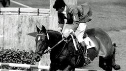 Weltmeister Hans Günter Winkler auf seiner legendären Stute Halla © picture-alliance / dpa