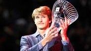 Alexander Zverev wird beim Saisonfinale der ATP in London as &quot;Star of Tomorrow&quot; ausgezeichnet. © image / BPI &quot;title =&quot; Alexander Zverev wird beim Saisonfinale der ATP in London as &quot;Star of Tomorrow&quot; ausgezeichnet. &quot;Class =&quot; img resize &quot;/&gt; </noscript> </div> <p class=