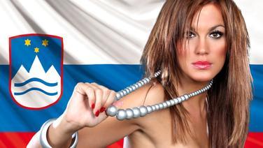 Rebeka Dremelj vor der Slowenischen Flagge. (Bildmontage) © Fahne: Fotolia, Quelle Künstler: dpa Foto: Fahne: Juergen Priewe, Fotograf Künstler: Jörg Carstensen