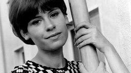 Schlagersängerin Mary Roos Ende der 1960er-Jahre. © Picture-Alliance / United Archives