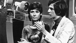 """Mary Roos und Ilja Richter 1971 bei den Proben zu Sendung """"Disco 71""""  © Picture-Alliance / dpa Foto: Dieter Klar"""