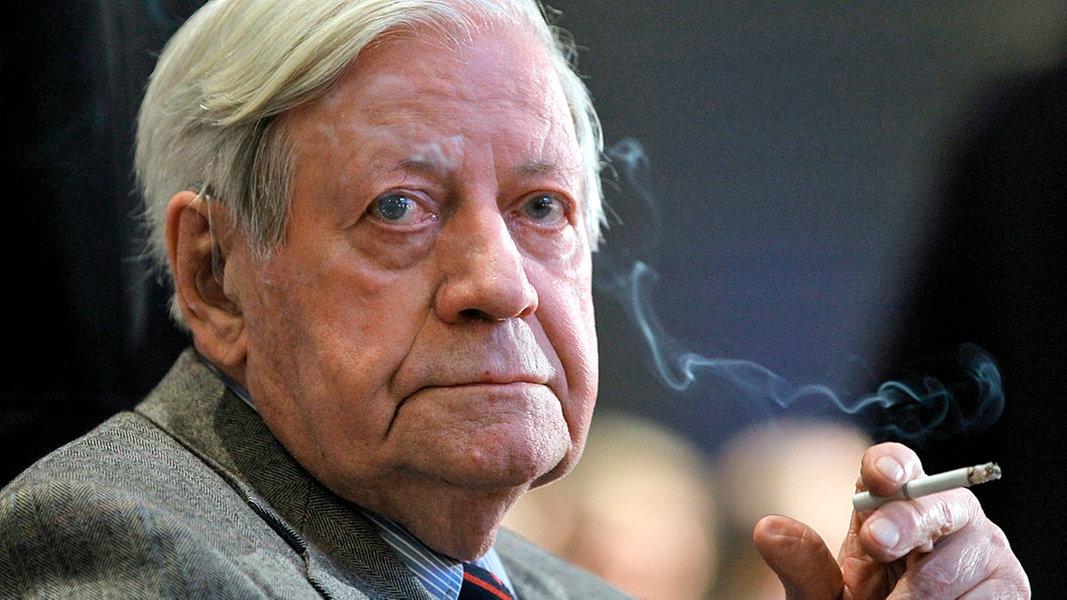 Helmut Schmidt Ist Mehr Wert Als Zwei Euro Ndrde Ndr Info