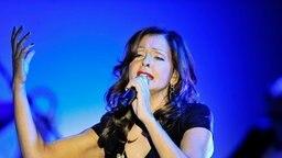 Die Sängerin Vicky Leandros bei einem Auftritt in Berlin am 26.12.2011. © dpa-Bildfunk