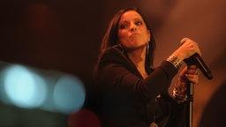 Stefanie Kloß mit ihrer Band Silbermond beim Auftritt beim Deutschen Radiopreis am 17. September 2010 in Hamburg. © NDR Foto: Marco Maas