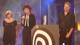 """Die Preisträger """"Beste Musiksendung/Beste Sendung"""" von Deutschlandradio Kultur (Monika Künzel, Rita Höhne, Stefan Wimmer) beim Deutschen Radiopreis am 17. September 2010 in Hamburg. © NDR Foto: Philipp Szyza"""
