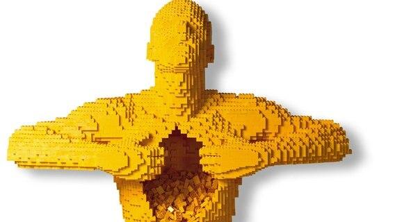 Ein Mensch geformt aus Legosteinen. © The Art of the Brick Foto: The Art of the Brick