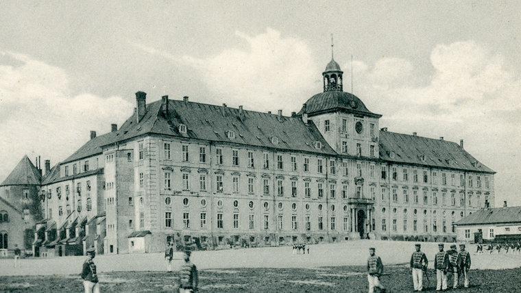 Ein historisches Foto des Schlosses Gottorf in Schleswig. © Stadtarchiv Schleswig