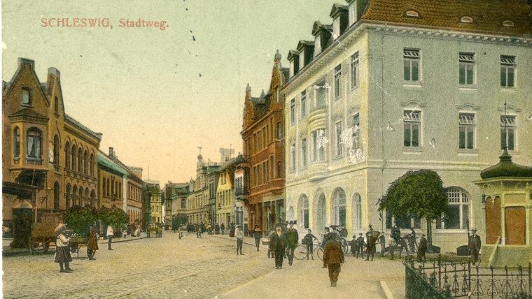 Ein historisches Foto des Stadtweges Ost in Schleswig. © Stadtarchiv Schleswig
