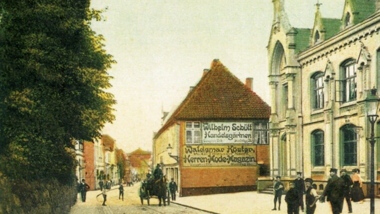 Historisches Foto des Stadtwegs mit Postamt in Schleswig © Stadtarchiv Schleswig